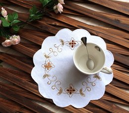 2019 guardanapos de algodão branco por atacado lot Atacado White Flower Cotton guardanapo Set Com Crochet Mão babado 31 centímetros SH190925 guardanapos de algodão branco por atacado barato