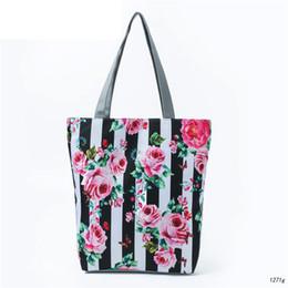 Bolsos negros estampado floral online-Buena calidad Blanco y negro a rayas diseño bandolera mujer lienzo impreso floral Tote bolso señora playa bolsa de verano