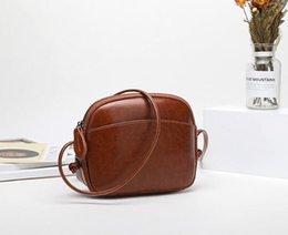 Moda kadın omuz çantası kız Cep telefonu çantası Hakiki Deri Marka Tasarımcı çanta çekicilik Omuz Çantaları Mini Küçük paket ç ... supplier mobile phone girl nereden cep telefonu kızı tedarikçiler