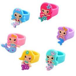 Anillos de dedo del bebé online-Kids Mermaid Ring Cartoon Silicone Baby Children Mermaid Ring Finger para fiesta cumpleaños regalos de Navidad HHA499