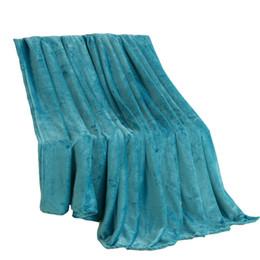 Vellón de coral poliéster online-Coral Fleece Manta de franela Sólido azul poliéster Plaid Sábana individual Cama Doube Queen King Mantas de piel sintética en la cama