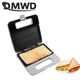 Elétrico grill placa on-line-Dmwd Multifuncional Elétrica Panini Maker Grelha Placa De Imprensa Café Da Manhã Waffle Pão Sanwich Máquina De Cozimento Torradeira Forno Churrasco T6190614