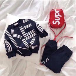 Pantalon negro estampado online-Suéter para niños Pantalones Wei, dos juegos de ropa deportiva para niños, ropa deportiva, juego de letras, negro azul rosa