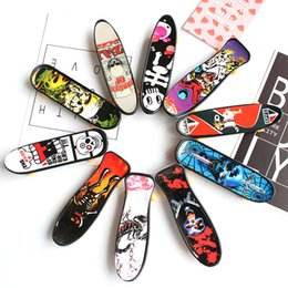 scooter gifts Promo Codes - Mini Finger Skateboard Fingerboard Toy Kid Finger Sport Scooter Skate Party Favors Educational Gift Toys Free DHL 1160