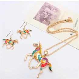 Ölfarbe gesetzt pferde online-Kreative Mode Regenbogen Pferd Schmuck Set Personalisierte Ölgemälde Tier Halskette Ohrring Set Designer Retro Frauen Schmuck Geschenk