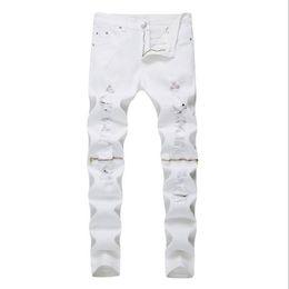Club jeans männer online-2018 neue Art und Weise High Street Herren-Jeans Reißverschluss Knie ausgefranste Loch männlich Club Denim-Stoff elastische dünne geklopft riss Hose