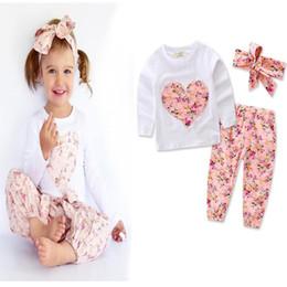 calças de flores para meninas Desconto Baby Girls Coração Flor Roupas de Impressão 3 PCS Set Criança Crianças Tops + calça + Headband Ternos Menina Crianças Roupas conjunto