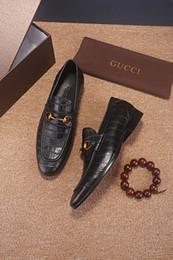 homens adultos acendem sapatos Desconto 19ss 2 cores de Luxo Sapatos de Alta Qualidade Dos Homens Italianos Sapatos de Vestido Luz Sapatos Adultos Lace-ups de Couro Genuíno Dos Homens Negros Tamanho 38-45 Com Caixa