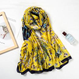 2019 vasi lunghi 2019 New Silk Scarf Women Vaso Flower Printing Foulard Moda femminile ScialliWraps Beach Towel Soft Long Sciarpe Fazzoletto 180 * 90cm sconti vasi lunghi