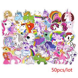 50 unids / set Juego Unicornio Graffiti Etiqueta Personalidad Equipaje DIY pegatinas de dibujos animados PVC pegatinas de pared bolsa de accesorios para niños juguetes de regalo desde fabricantes