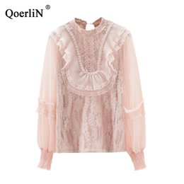 QoeriliN Blusa de Encaje Mujeres Verano Sexy Top Camisas Blancas Transparentes Hembra Tallas grandes Moda Rosa Camisas de Manga Larga 2019 Nuevo desde fabricantes