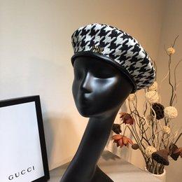 Sombrero del cubo del invierno de las muchachas online-Womens Floral Flapper Girl Style Winter Wool Gorra plana Beret Beanie Cloche Bucket Hat Sombreros para mujeres Gorras de moda