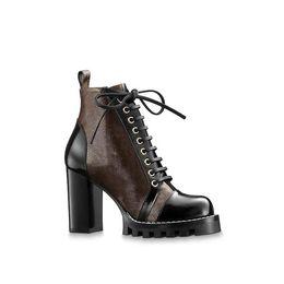 Botas de lona de encaje online-Diseñador Mujer Star Trail Botines de cuero Moda Tacones gruesos Estampado de lona Cordones de cuero Suela de goma Marcas de lujo Martin Botas
