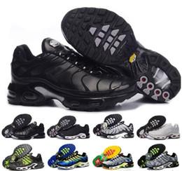 brand new 7864f b6452 2018 nike air max sneaker New Original plus tn Hommes Chaussures  Décontractées Olive En Argent Blanc Métallisé pour Tn off Black Air Basket  Requin ...