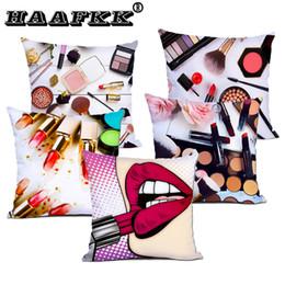 Taie d'oreiller en Ligne-Bouteille de parfum housses de coussin rouge à lèvres crayon à sourcils housse de coussin décoratif blanc fibre polyester taie d'oreiller