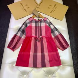 Vestidos de meninas novas crianças roupas de grife outono cintura projeto vestido de algodão clássico xadrez vestido notícias de Fornecedores de manga longa vestido de renda puffy rodapé
