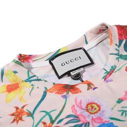 ropa colorida para hombre Rebajas Camiseta para hombre Verano Nueva ropa de diseñador Carta de moda Imprimir Manga corta Estampado de flores de lujo Top Camisetas coloridas