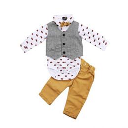 Vestito giubbotto bambino online-Neonato Ragazzi Abiti formali Set completo Gilet Maniche lunghe Magliette Camicia Tuxedo Cotton Khaki Outfit Set Abbigliamento 0-2T