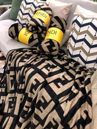 colchas azuis claras Desconto Tamanho 180 * 200 Moda flanela quente confortável cobertor multi -Style Tapete Cashmere Composited Manta de Bebé Adulto Sofá Blanket Para Nap