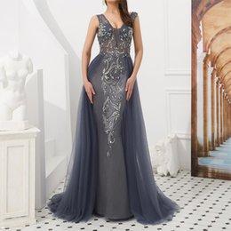 vestido de noite fantasia Desconto Lindo Fluvia Lacerda em Vestido De Noite Plus Size Com Decote Em V Até O Chão Vestido Sem Encosto De Tule Cristal Beading Mulheres Fancy Dress Dinner Wear