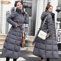 Schwarze gesteppte pelzjacke online-Padded Daunenjacken Winter Plus Größe Lange gesteppte Schwarz Damen mit Kapuze Pelz-Mantel-Jacken Parka für Frauen Wp013