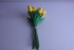 Tulipes jaunes artificielles en Ligne-Gros naturel à la recherche PU couleur jaune Real Touch Tulipes Flower mode vente directe d'usine de fleurs artificielles