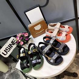 les meilleures sandales s'habillent Promotion 2019 fashion party bee tenue décontractée avec des chaussures décontractées pour hommes et femmes, sandales d'été cool meilleur choix taille 35-45