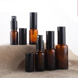 bomba de botella de ámbar Rebajas Botellas de vidrio ámbar spray 10 ml 15 ml 20 ml 30 ml 50 ml botellas con bomba Loción envase vacío cosmético recargable Paquete EEA1020-1