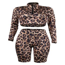 2019 fato de impressão leopardo Designer de moda Mulheres Leopardo 2 pcs Shorts Ternos Com Zíper Verão Impresso Ternos Casuais Roupas Casuais Moda Feminina Treino fato de impressão leopardo barato