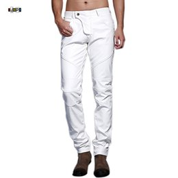 Мужчины кожаные искусственные штаны красный онлайн-Idopy Men`s Motorcycle Faux Leather Pants Multi Colors Red Blue Black White Biker Style Dance Stage Performance Leather Trousers