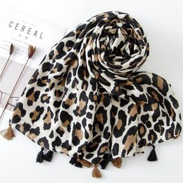 leopard ponchos Coupons - Classic Fashion Leopard Print Scarf Spring and Autumn winter Long Versatile Lady Korean Cotton and Linen Scarf Shawl 2019 Gifts