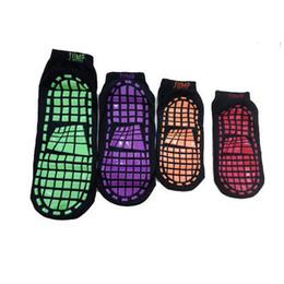 calcetines de pilates Rebajas Calcetines de trampolín de silicona antideslizante deportes al aire libre calcetines cómodos yoga Pilates calcetines de señora calcetines del barco tobillo antideslizante calcetín corto ZZA257