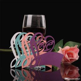 carte di scorta tabella Sconti All'ingrosso-carta Laser Cut Love Heart Table Nome Place Escort Cup Card Carte di vetro di vino Matrimonio Baby Shower Party Decorations