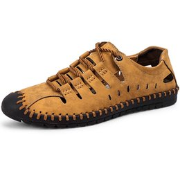 Geschlossene zehenleder sandalen männer online-Hohe Qualität Große Größe Leder Männer Sandalen Schuhe Sommer Männlichen Wasserschuhe Gummi Weiche Männer Hausschuhe Outdoor Strand Geschlossene Zehe
