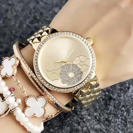 2019 relógios de pulso Moda M Flor design Marca Relógios das mulheres Menina de metal banda de aço de Quartzo Relógio de Pulso M70 relógios de pulso barato