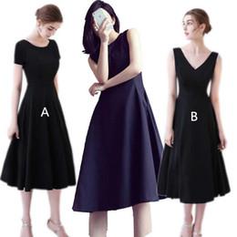 195b9bdb1a0 Black Satin Short Cocktailkleider 2019 Knielanges Abendkleid New Simple  Abendkleider 2 Stil günstig einfache kleidstile schwarz