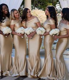2019 einfaches champagner bodenlange kleid 2019 elegante Champagner Meerjungfrau Brautjungfer Kleider einfach aus der Schulter bodenlangen Hochzeitsgast Kleider nach Maß formale Party Kleider rabatt einfaches champagner bodenlange kleid