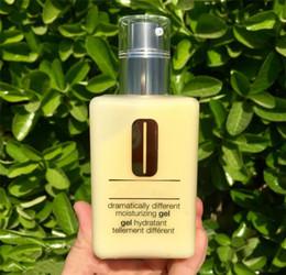 bottiglie di imballaggio in plastica d'argento all'ingrosso Sconti Gel drammaticamente diverso lozione idratante 125 ml di emulsione hydratante con pompa per tutti i tipi di cura della pelle trasporto veloce