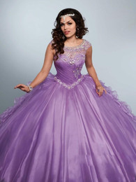 2019 robes débutantes blanches vintage New Cheap Lilac Quinceanera Robe De Bal Robes Jewel Neck Cristal Perles Illusion À Volants Doux 16 Plus La Taille Robe De Soirée De Soirée Robes