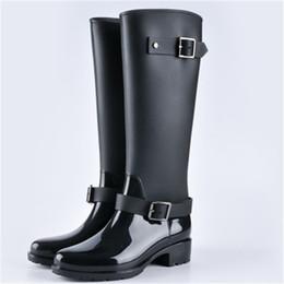 Botas de mujer estilo punk online-2019 Nueva Moda Zapatos de Mujer Estilo Punky Botas de Montar Zapatos de Cremallera Caballero Botas Altas Mujeres Lluvia Gran Tamaño 36-40
