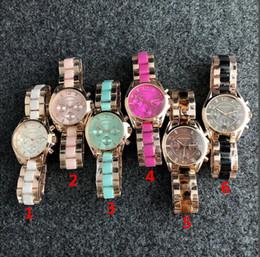orologi di colore oro delle signore Sconti Orologi da donna eleganti alla moda all'ingrosso, orologi sportivi in acciaio al quarzo, colore popolare di orologi in oro e argento spedizione gratuita