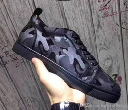 2021 pattini di vestito taglio basso uomini Disegni di lusso Uomini Low Cut Camo Uomo Scarpe pattini inferiori rossi delle scarpe da tennis Camo Rantus Junior Lace-up scarpe piane degli uomini di regalo Wedding Party Dress