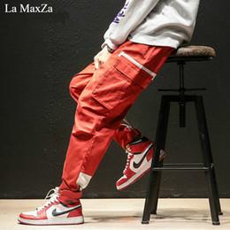La MaxZa hip hop pista inverno tendências sweatpants streetwear Plus  gordura grande código pés pequenos homens calças coreano moda desconto pés  grandes 07897b9dae8f9