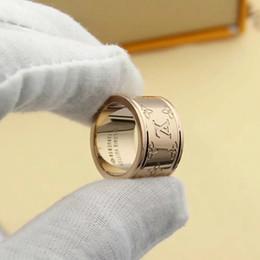 anel de swarovski de prata esterlina 925 Desconto Designer Anéis de Casamento para Os Amantes Designer de Marca 3 cores Anel Flor Antiga Letra Estilo Anel de Noivado para Mulheres Homens Com Saco