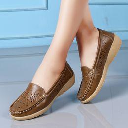 Cunei casual di scarpe da barca online-Designer Dress Shoes pumps women Casual Wedges Soft Bottom Outdoor Comfortable Slip On Peas Barca zapatos de mujer