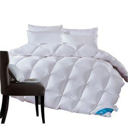 1.3 ~ 4.7 kg ganso / pato para baixo cobertor colcha de edredão para o inverno / verão branco capa de algodão consolador Rei Rainha Twin tamanho rápido navio livre de Fornecedores de conjunto de edredão de seda de qualidade