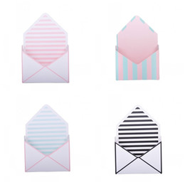 2019 casella di busta regalo Fiori tondi Dot Gift Box Stripe Tipo di busta Bouquet Scatole Pieghevole Carta creativa Grigio Nero Moda Vendite calde 4 4xy C1 casella di busta regalo economici