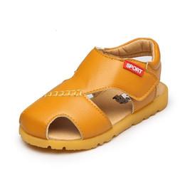 Белые сандалии для младенцев онлайн-2018 новые девушки мальчики закрытый носок пляж сандалии детские дети лето желтый синий белый анти-тапочка обувь Детские малыш вырезы обувь