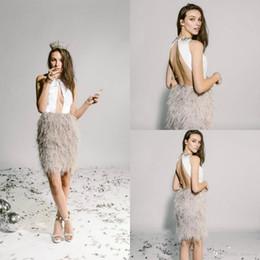 robe de soirée de luxe au genou Promotion 2019 robes de bal courtes cou bijou sexy dos nu luxe plume longueur au genou robe de cocktail personnalisé fait Mini robes de soirée