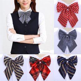 legame di arco di seta d'epoca Sconti JCAAAP Vintage Papillon a righe Cravatta in seta Papillon Farfalla Collo Collare da sposa
